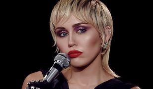"""Miley Cyrus: zobacz teledysk do nowego singla """"Midnight Sky"""""""