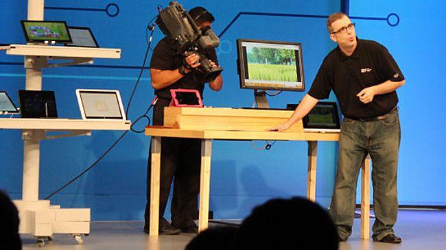 IDF: koniec kabli coraz bliżej, bezprzewodowe zasilanie laptopa nawet przez gruby blat biurka