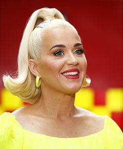 Naturalna Katy Perry w kostiumie kąpielowym. W komentarzach pod zdjęciami burza