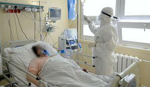 Koronawirus wariantu Delta. Ekspert mówi, kto jest szczególnie narażony