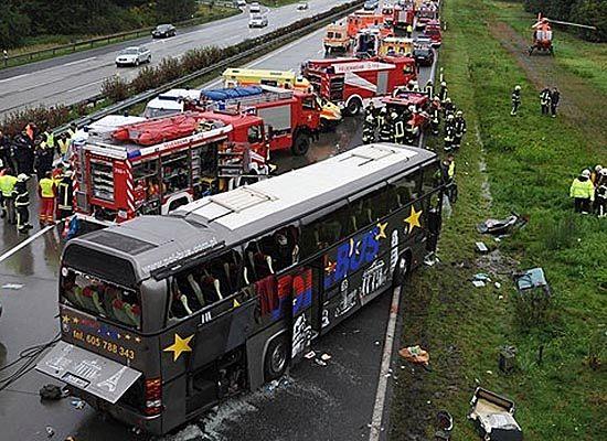 Żałoba po katastrofie polskiego autokaru