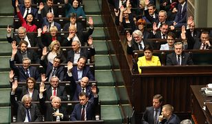 Za obecnie obowiązującym kształtem ustawy o Sądzie Najwyższym głosowało 233 z 235 posłów