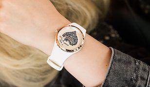 Zegarek to także biżuteria, która zdobi dłoń i podkreśla stylizację