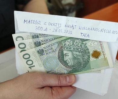 Chłopiec zgubił kopertę z pieniędzmi od taty. Miał dużo szczęścia