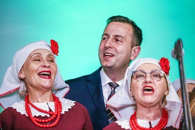 Władysław Kosianiak-Kamysz pochwalił się zdjęciem z dziadkami. Mieszkali na wsi i leczyli zęby.