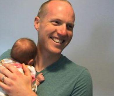 Policjant adoptował dziecko narkomanki. Wiedział, że jest ostatnią deską ratunku