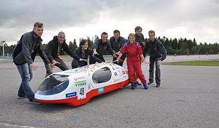 Bolid łódzkich studentów przejechał 830 km na litrze paliwa