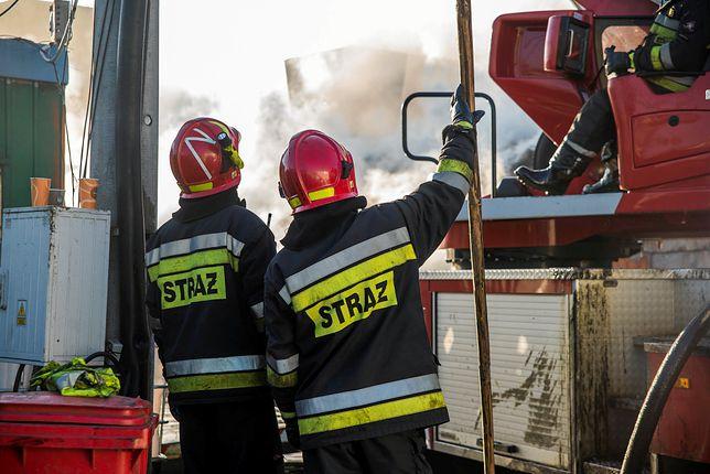 Na miejscu pracuje straż pożarna