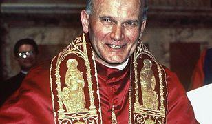"""Ostatnią noc w Polsce Karol Wojtyła spędził, jak zwykle, w """"szarym domu"""" Sióstr Urszulanek."""