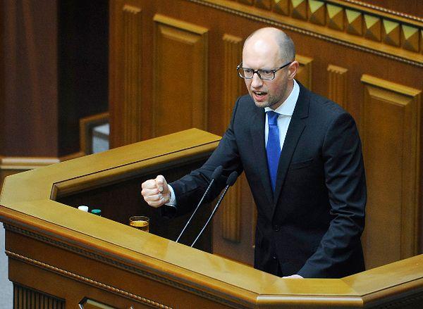 Dymisja Jaceniuka odrzucona. Ekspertka dla WP.PL: popierają go i prezydent, i kręgi międzynarodowe