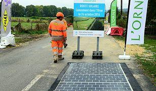 Droga solarna w Normandii.
