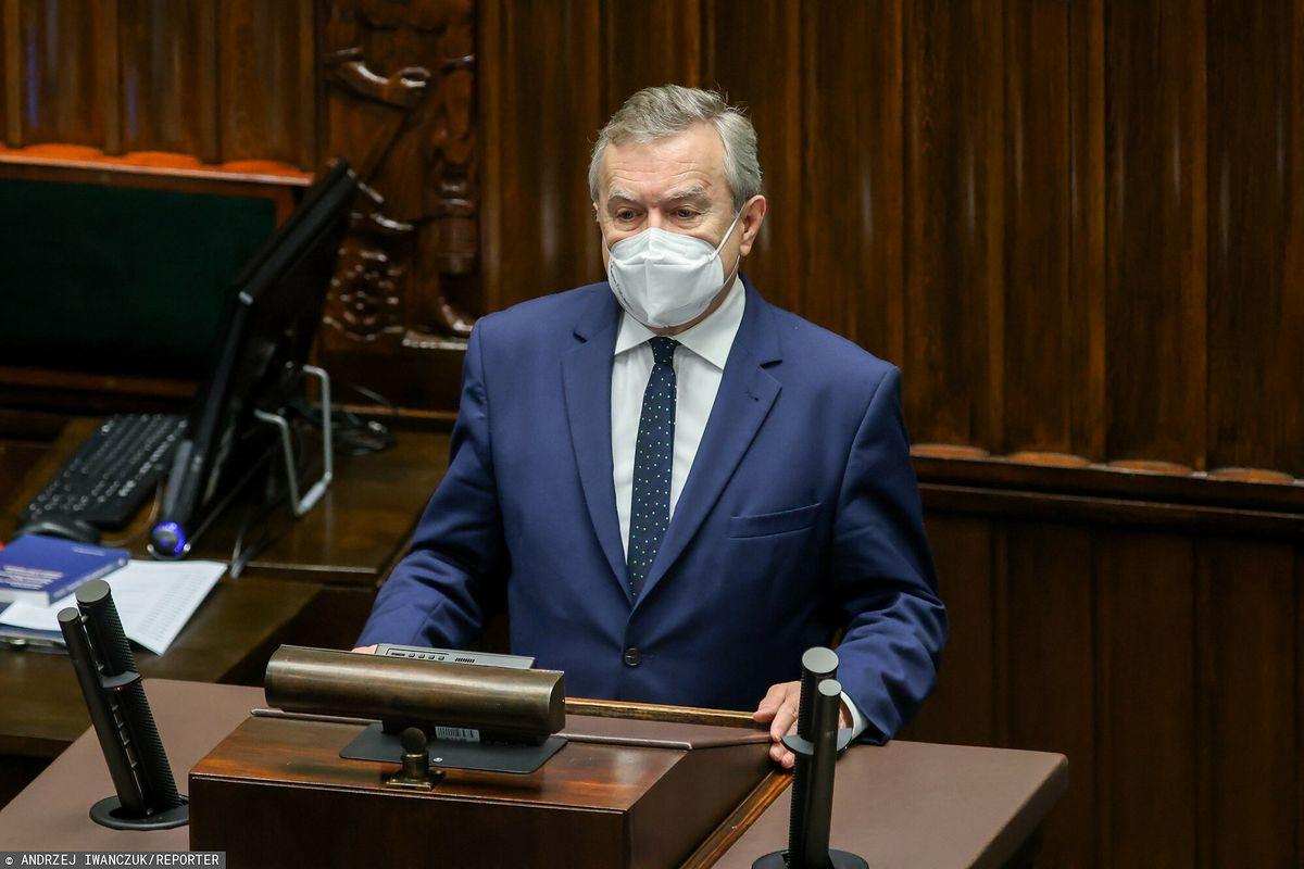 Minister kultury Piotr Gliński nie zgadza się na budowę apartamentów na Westerplatte
