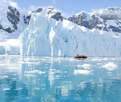 Część badaczy ma obawy, że większa ilość śniegu na Antarktydzie, to pogłębiający się problem wzrostu poziomu wód w morzach i oceanach
