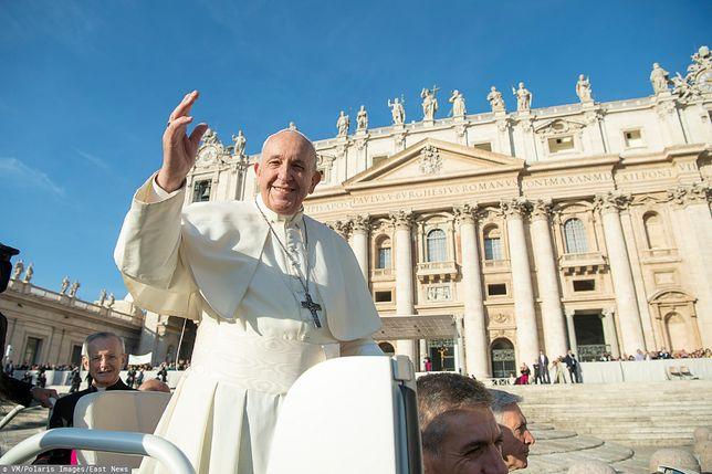 Watykan. Papież Franciszek na Placu Świętego Piotra