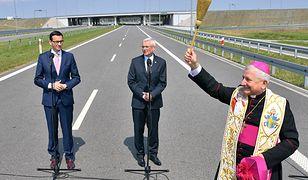 Odcinek nowej drogi został już oficjalnie poświęcony.