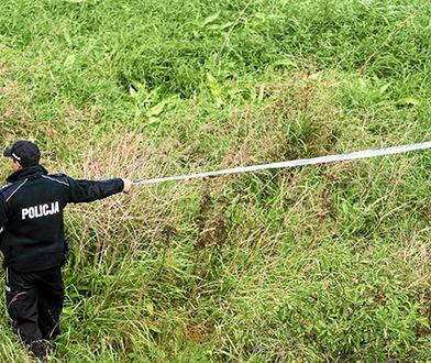 W jeziorze w Chałupskach znaleziono ciała dwóch młodych kobiet. Zatrzymano trzy osoby. Dwie osoby usłyszały zarzut podwójnego zabójstwa