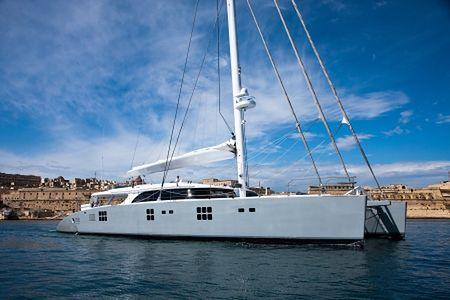 Wynajmij jacht warty 11 milionów euro