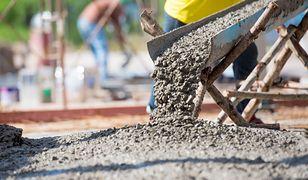 Kumulacja robót sprawiła, że ceny materiałów i robocizny poszybowały w górę.