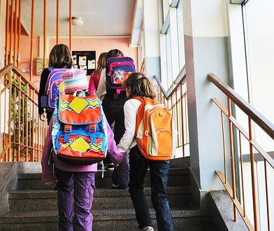 Główne problemy zdrowotne dzieci to zniekształcenia kręgosłupa, alergie i zaburzenia wzroku.