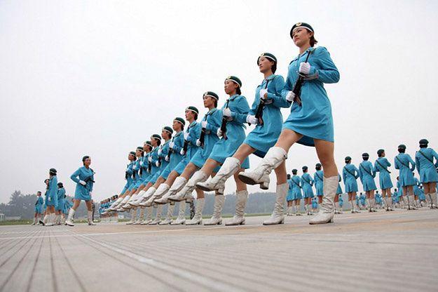 """Skandal w chińskiej armii. """"Część kadr wykorzystuje grupy artystyczne jako prywatne haremy"""""""