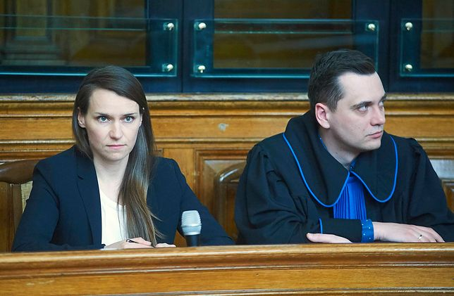 """Sąd rozstrzygnął spór między Pomaską a Kołakowską. Sprawa dotyczy """"golenia głów na łyso"""""""