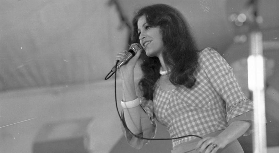 Występ Anny Jantar na Festiwal Piosenki Żołnierskiej. Kołobrzeg, lipiec 1974 roku