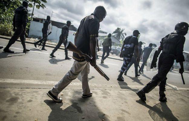 Starcia w Gabonie. Trzy osoby nie żyją, setki aresztowanych po starciach w stolicy