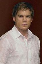 """""""Dexter"""" znów umawia się z siostrą"""