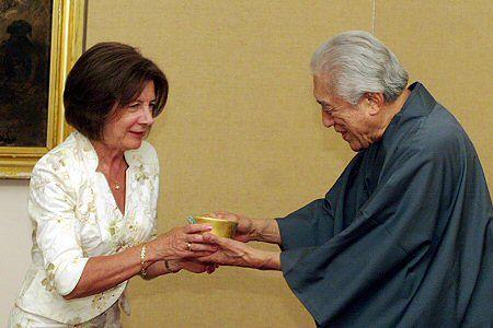 Maria Kaczyńska parzyła herbatę z Wielkim Mistrzem