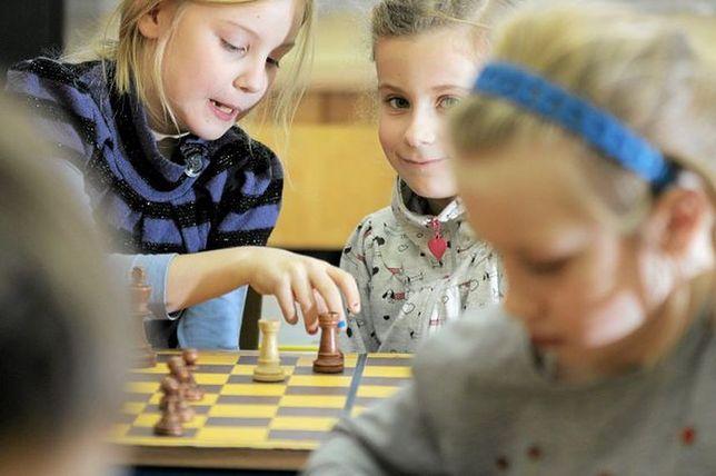 Szachy w programie nauczania blisko stu warszawskich szkół podstawowych