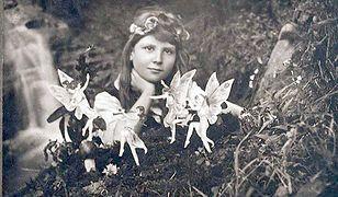 Elsie Wright na pierwszym zdjęciu z wróżkami, 1917 r.