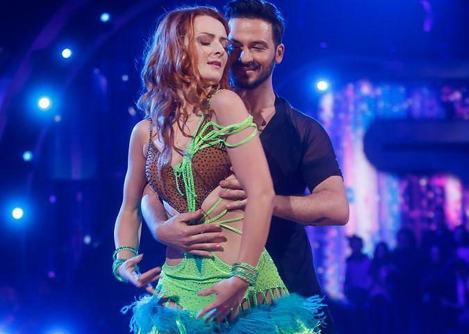 """Tańczyła, choć nie słyszała muzyki. Iwona Cichosz wzruszyła jury """"Tańca z gwiazdami"""""""