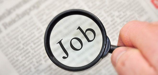 Niewielki spadek ofert pracy w internecie w styczniu