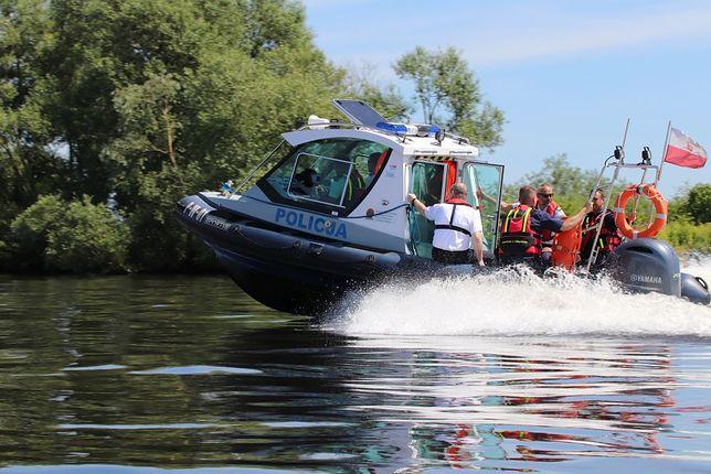 Trwają poszukiwania 18-latka na jeziorze Miedwie koło Morzyczyna w Zachodniopomorskim