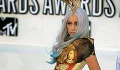 Kate Middleton, Lady Gaga i Monika Olejnik - noszą tę samą markę