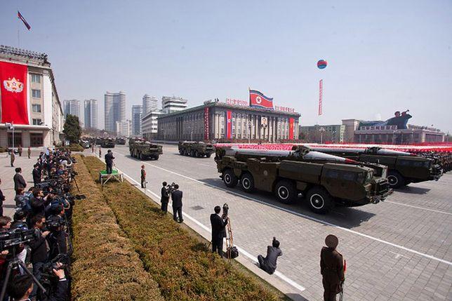 Rakiety Hwasong na defiladzie w Pjongjangu