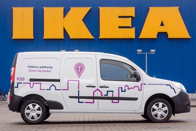W dostawczaku Traficar zmieści się każdy mebel, jaki jest dostępny w Ikei.