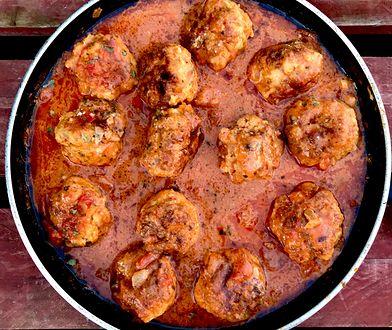 Pulpety kurczakowe w sosie pomidorowym z mascarpone. Podaj na obiad
