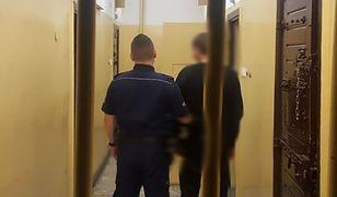 Mosina. Siekierą atakował ludzi w sklepach. 21-latek za kratami