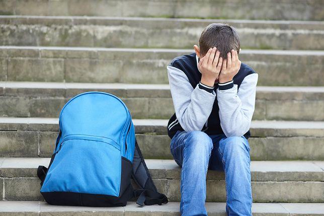 Mężczyzna ukradł plecak 9-latkowi. Chłopiec sam dopadł złodzieja
