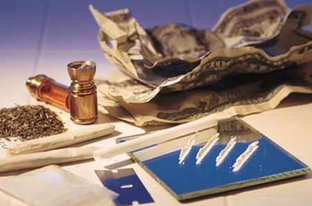 """""""Fajni ludzie biorą narkotyki"""" - kontrowersyjna kampania"""