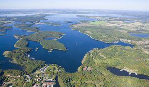 Mazury. Kontrowersyjne platformy bezpieczeństwa znikają z jezior