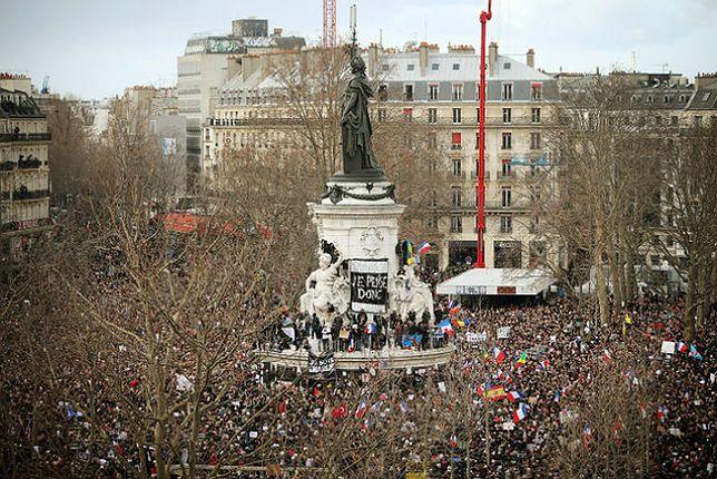 Prawie 4 miliony ludzi na demonstracjach poza stolicą Francji