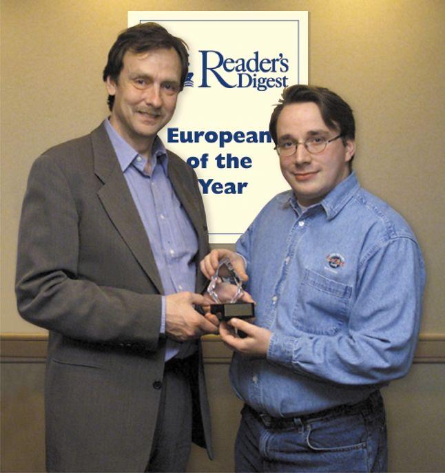 8 stycznia 2002 r. zostaje mu wręczona nagroda World Technology Awards, przyznawana przez organizację World Technology Network.