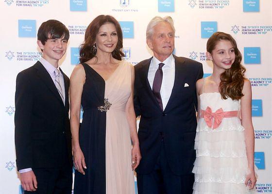 Rodzina w komplecie. Od lewej: Dylan, Catherine, Michael, Carys
