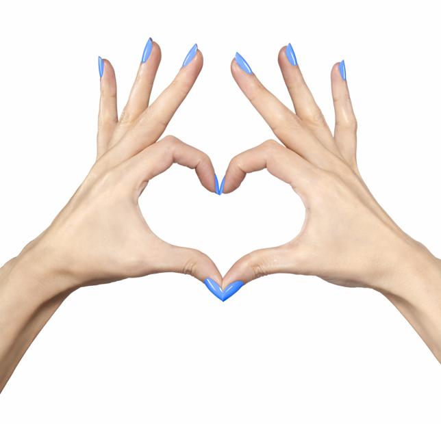 Gotowa na #gelpower? Żelowy manicure w dwóch prostych krokach!