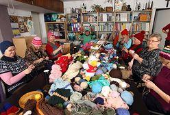 """5 tysięcy czapek od """"włóczkersów"""" ruszyło z Poznania do Afganistanu"""