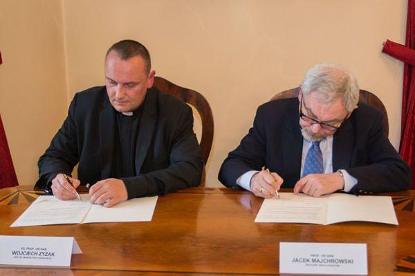 Porozumienie Rektora i Majchrowskiego. Będą rozwijać turystykę religijną w Krakowie