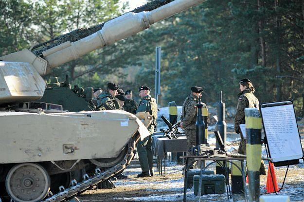 Szef MSZ Węgier: w 2017 r. żołnierze Grupy Wyszehradzkiej będą stacjonować w regionie bałtyckim