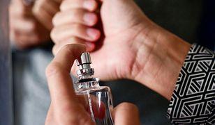 Jednym z najpopularniejszych miejsc, gdzie sprawdzamy zapach, jest nadgarstek